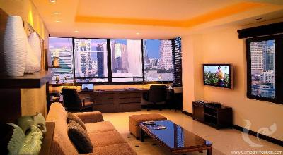 123-2bdr-1, Penthouse with Big Sky Garden 2+1 Bdrs - Sukhumvit soi 8