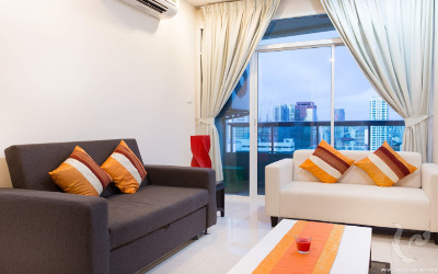 152A-2bdr-4, HIGH RISE !!! 2 BR RENOVATED SOI 11