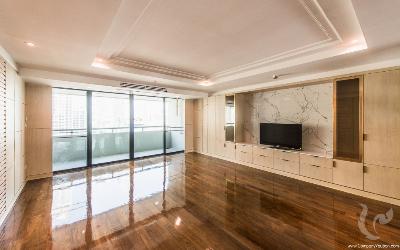 Gorgeous and Spacious 3 Bedrooms For Rent - BTS Nana( Sukhumvit 13)