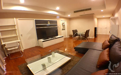 This Comfortable 1 Bedroom Condo For Rent - BTS Phrom Phong