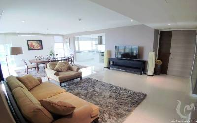 Gorgeous 3 Bedrooms Condo For Rent -BTS Thonglor