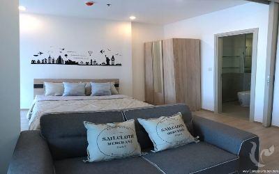 1 Bedroom Condo -Chula Samyan, Silom area.