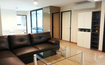 3 Bedroom condo, just 100 meters to BTS Phrakanong Station.