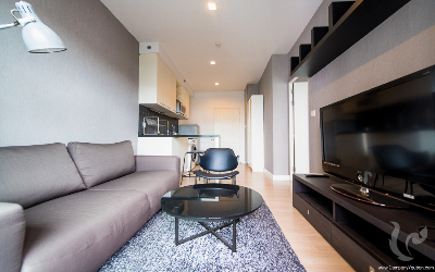 This Comfortable 1 Bedroom Condo For Rent - BTS Sala Daeng