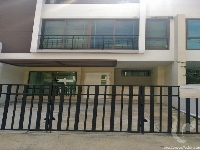 3 bdr Townhouse for rent in Bangkok - Bangchak