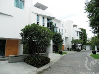 5 bdr Villa for rent in Bangkok -