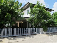 4 bdr Villa for rent in Bangkok - On Nut