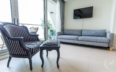 Spacious 1 Bedroom Condo For Rent - BTS Saphan Taksin