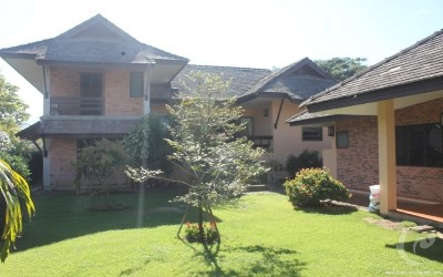 Large and spacious house for rent in Mae Rim golf course