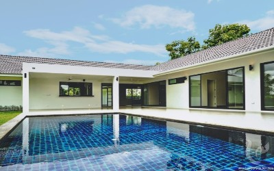Newly-Built House for Sale with Private Swimming Pool (Nam Phrae, Hang Dong)