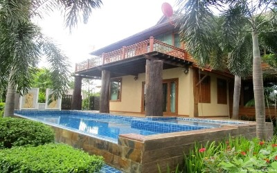 CH-V-3bdr-57, Charming House with character for Rent in Mae Rim.