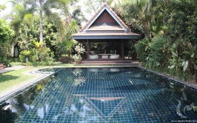 Beautiful tropical house 200 sqm