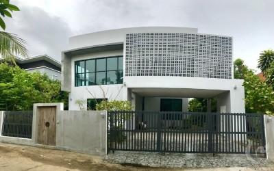 Belle Maison moderne sur San sai
