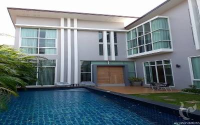 beautifull house for sale with private swimming pool