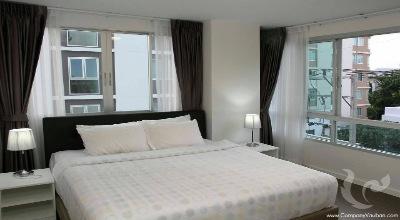 Modern condominium 2br in Hua Hin centre