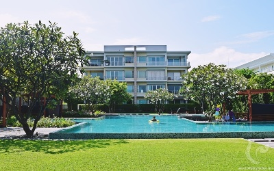 HU-C44-2bdr-2, 2 bedrooms beachfront condominium