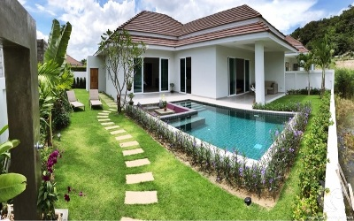 Private luxury pool villa with lake view