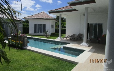 Villa 4 bedrooms in a high standing residence