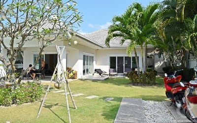 Beautiful pool villa Soi 88