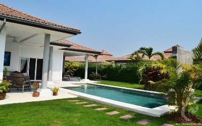 STUNNING POOL VILLA 5 MINUTE TO BANYAN GOLF COURSE