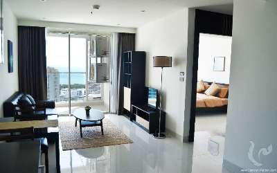 High floor 1 bedroom apartment with sea view