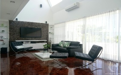 DUPLEX apartment only 100m from the beach!