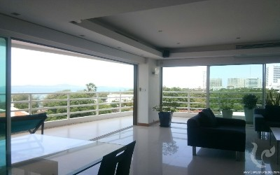 SUPERB apartment with panoramic sea view!