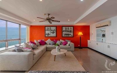 3 bdr Condominium Pattaya -