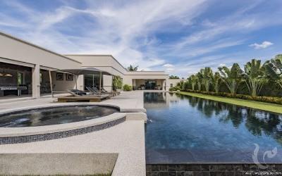 Magnificent 4 bedrooms pool villa!