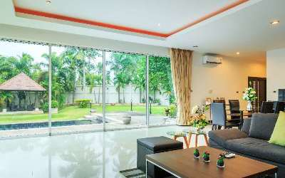 Luxurious villa away from the hustle and bustle of downtown Pattaya