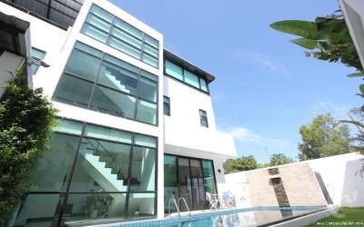 3 Bedroom Sea view  Pool Villa in Quiet Rawai For Sale/Rent