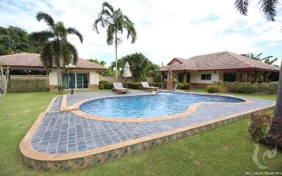 4 Bedroom Villa With Private Pool At Rawai