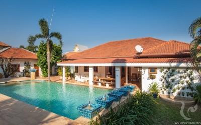5 bedrooms pool villa in rawai