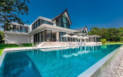 Luxury 6 Bedroom Beachfront Villa