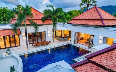 The Luxury 5 bedrooms pool villas Near Laguna Complex