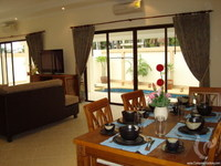 3 bdr Villa for short-term rental in Pattaya-Jomtien