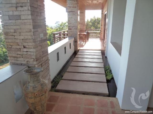 Walking terrace