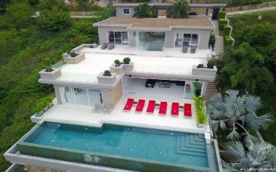 Luxueuse villa avec piscine et vue sur l'ocean